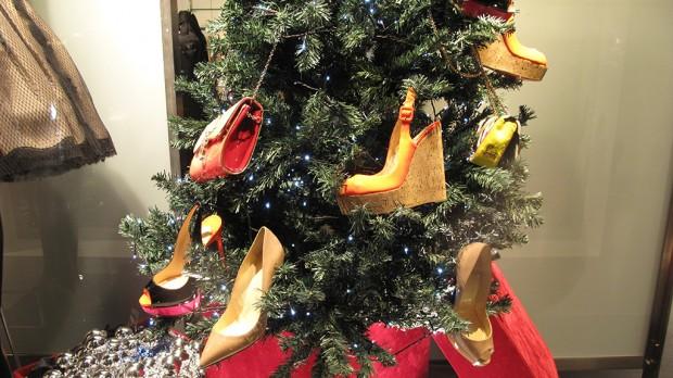 Ce pantofi iti doresti sub bradul de Craciun in acest an?