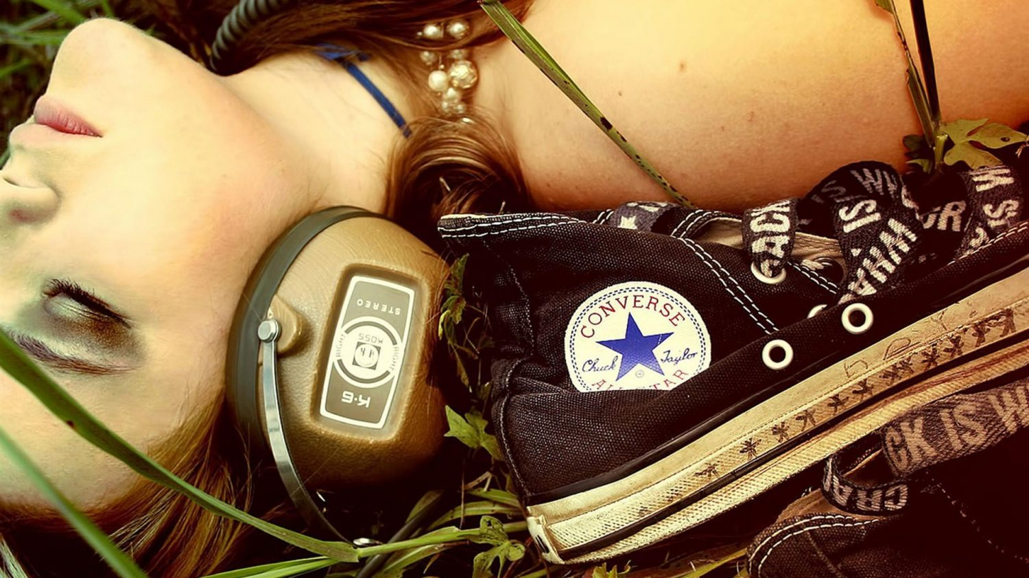 cropped-converse_music-Global_brand_advertising_wallpaper_1920x1080.jpg