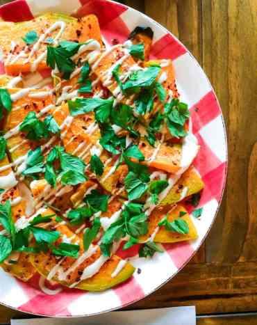 Bakt gresskar med tahinidressing - oppskrift / Et kjøkken i Istanbul