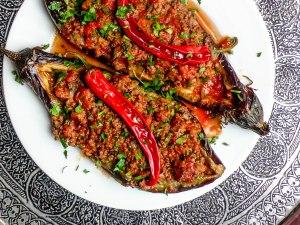 Aubergine med kjøttfyll (Karniyarik) / Et kjøkken i Istanbul