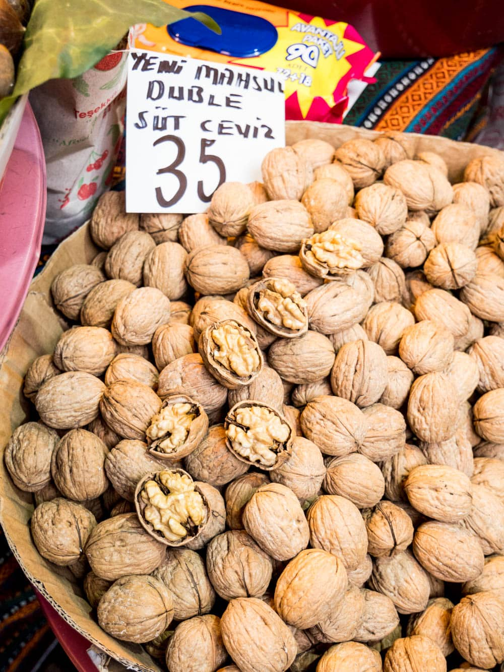 Walnuts from the Istanbul spice market (Misir carsisi) / A kitchen in Istanbul