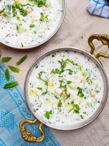 Kald yoghurtsuppe med kikerter, agurk og mynte – oppskrift fra Et kjøkken i Istanbul