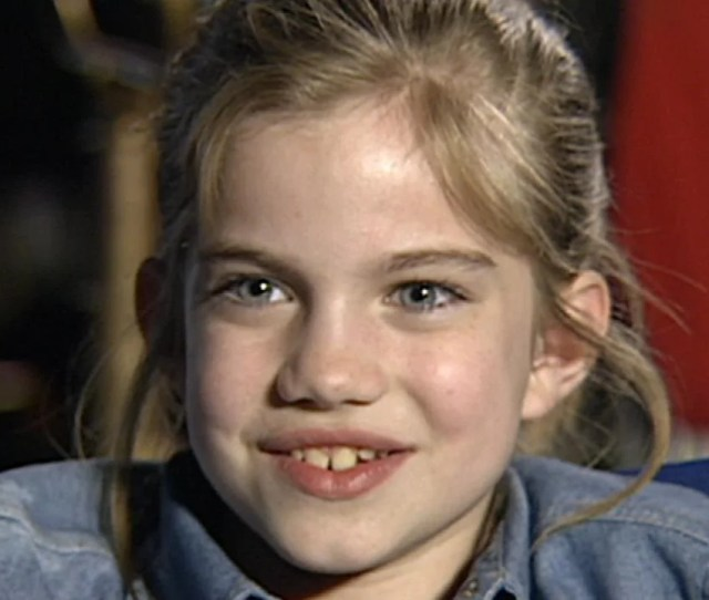 Anna Chlumsky Takes Lessons Learned On My Girl To Broadway Entertainment Tonight
