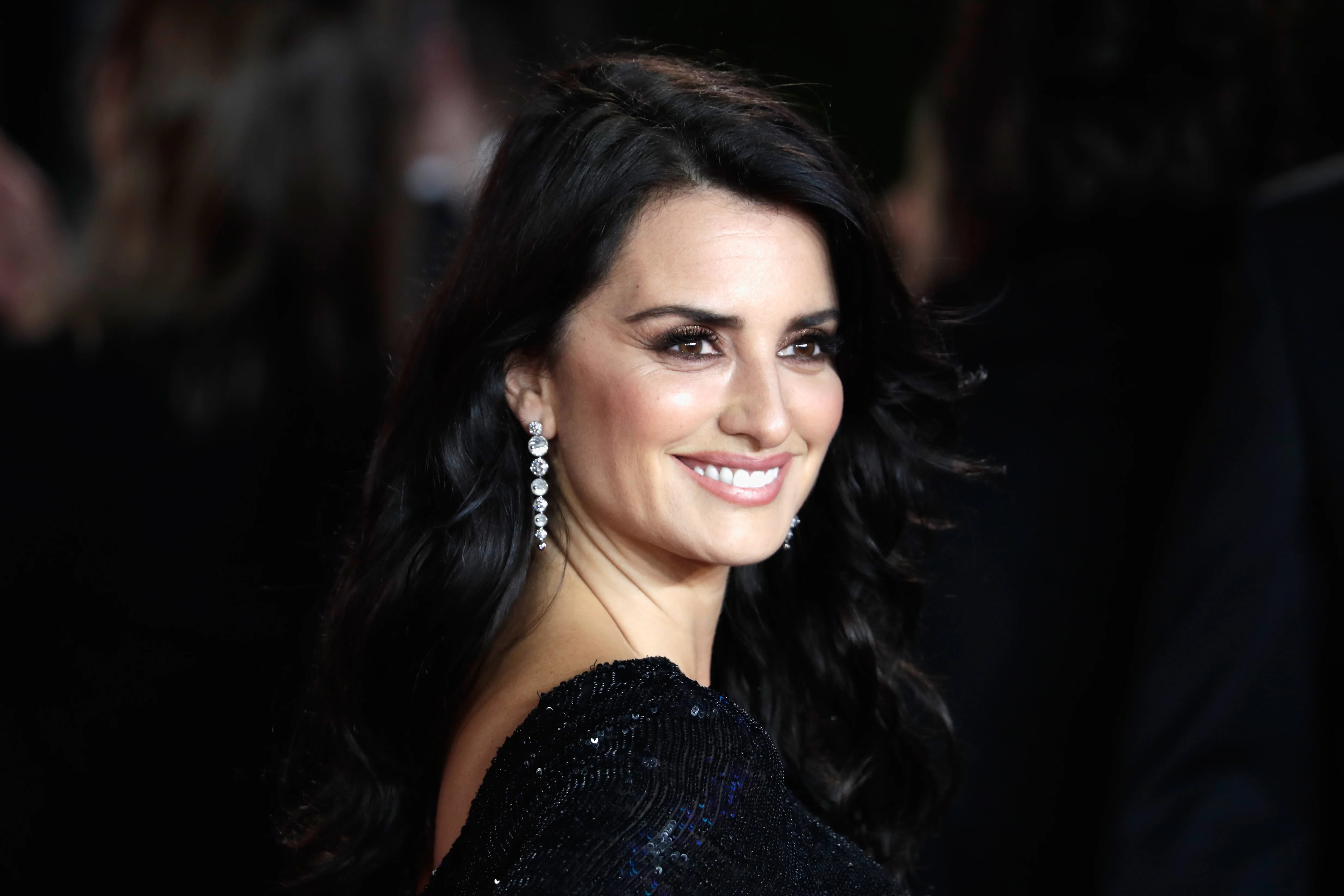 Penelope Cruz Opens Up About Her Friendship With Gwyneth
