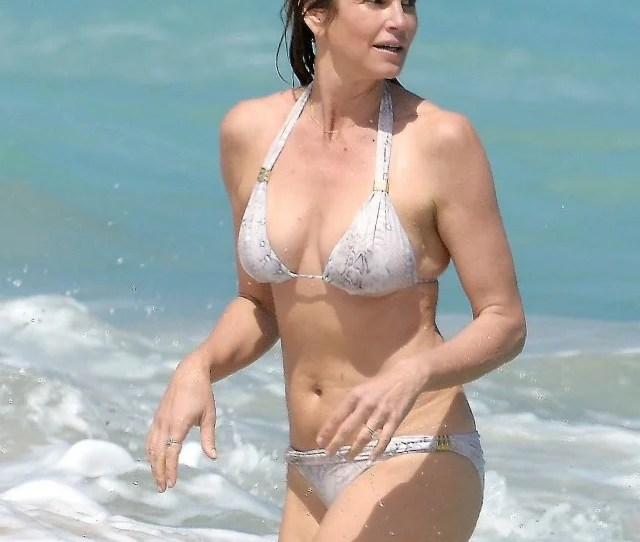 Cindy Crawford Shows Off Her Incredible Bikini Body In St Barts See The Pics