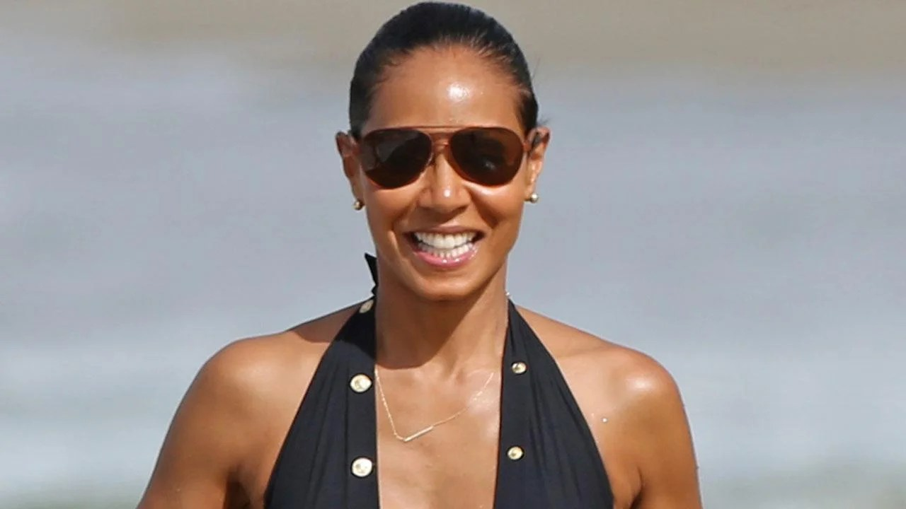 Jada Pinkett Smith 44 Flaunts Her Fierce Swimsuit Bod On