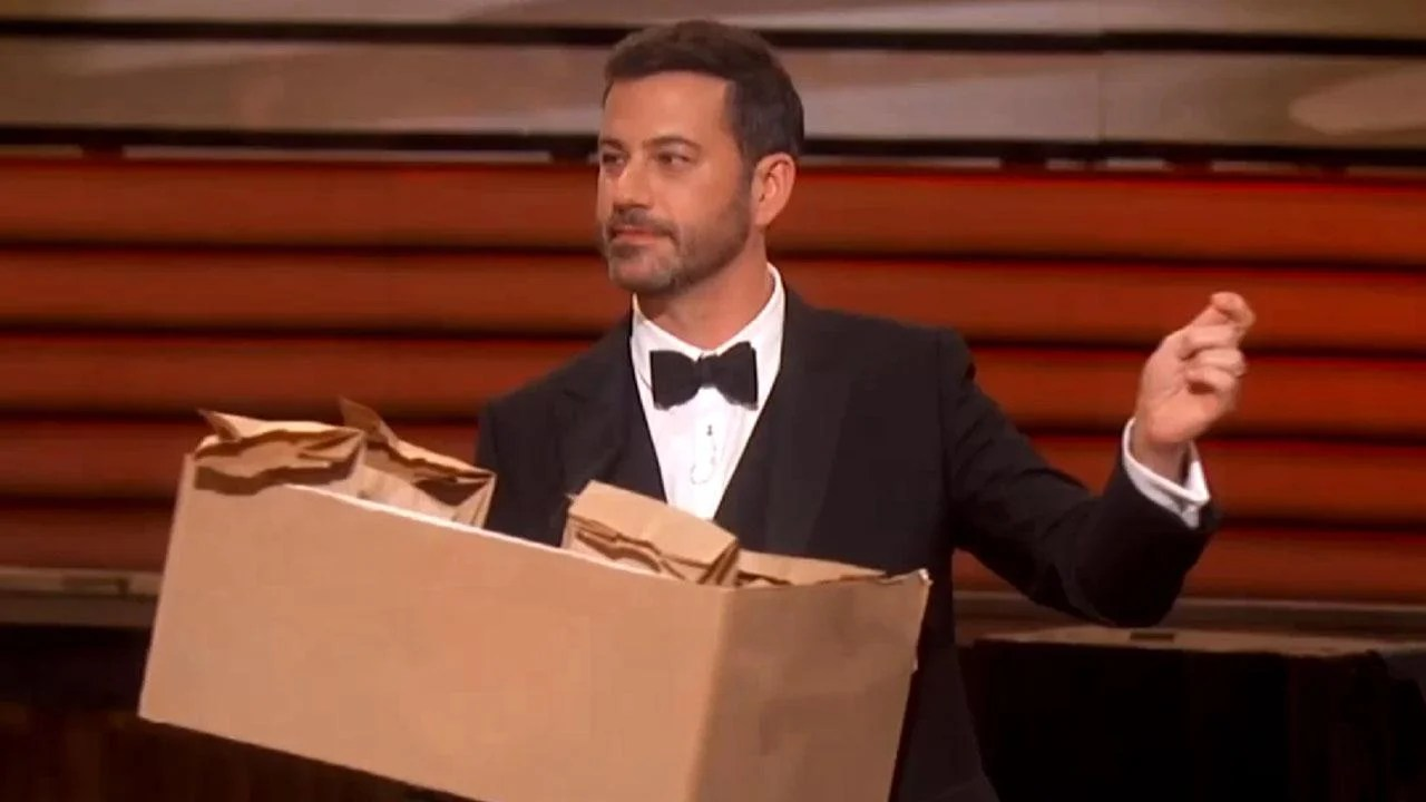 Jimmy Kimmel Gets the 'Stranger Things' Kids to Hand Out ...