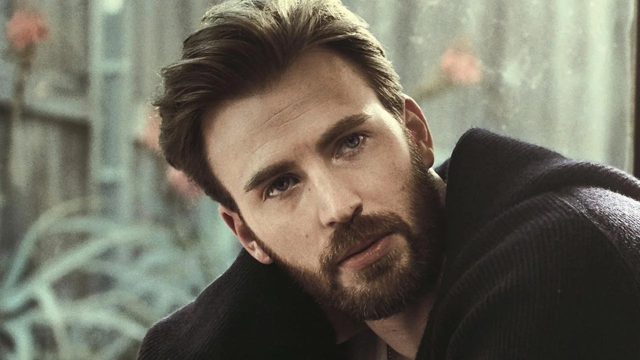 Chris Evans Reveals Why He Tends To Date Actresses