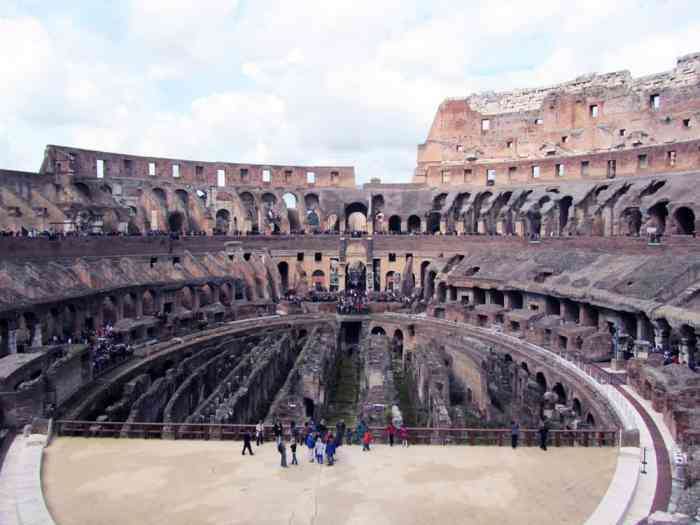 Rome - Intérieur du Colisée