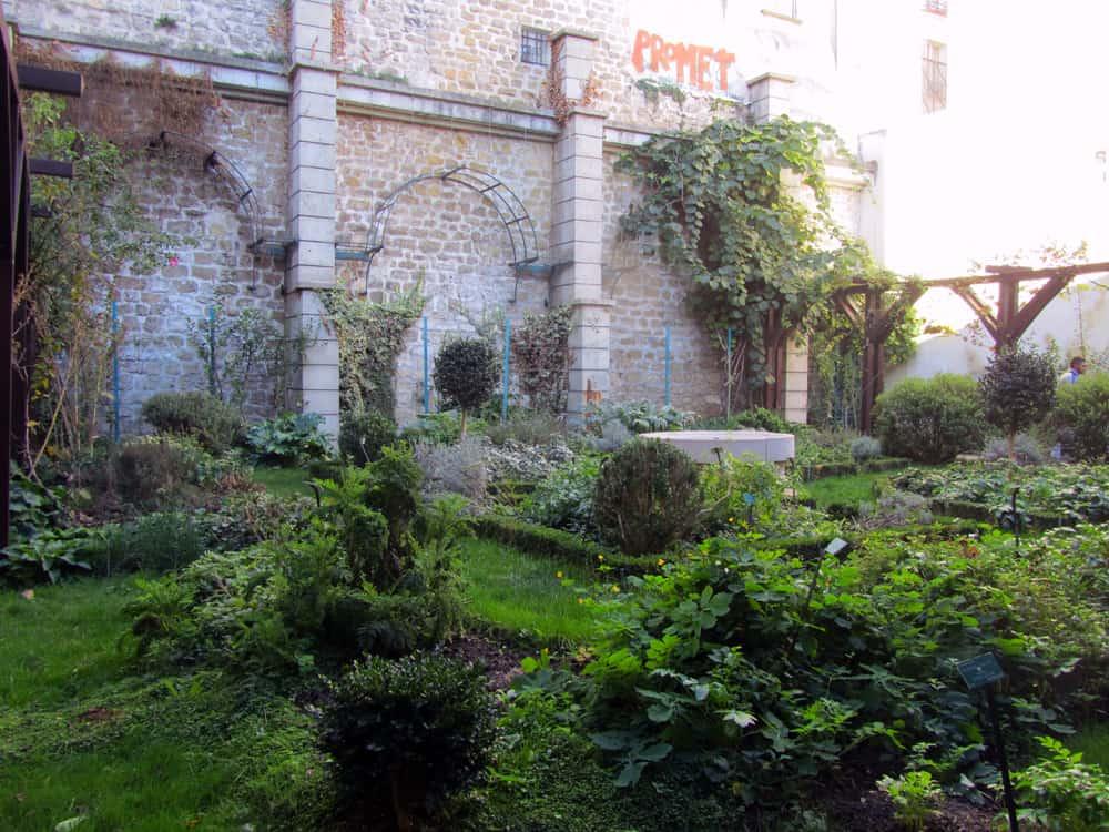 Paris la d couverte des jardins secrets du 18e et for Jardin gratuit paris