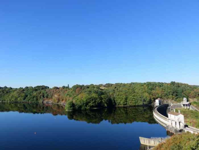 Séjour en famille dans le Berry : le lac d'Eguzon ©Etpourtantelletourne.fr