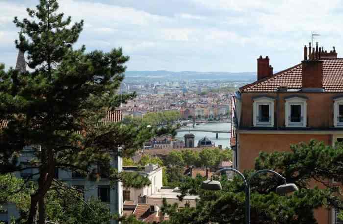 Point de vue sur Lyon quartier de la Croix Rousse ©Etpourtantelletourne.fr