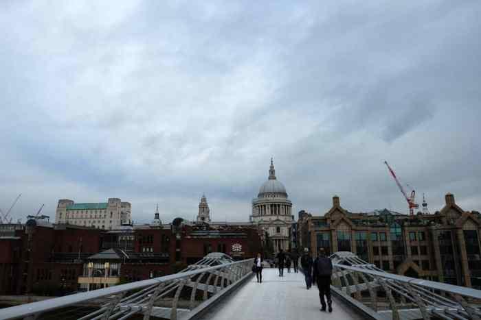 Lieux de tournage Harry Potter à Londres Le pont du Millennium ©Etpourtantelletourne.fr