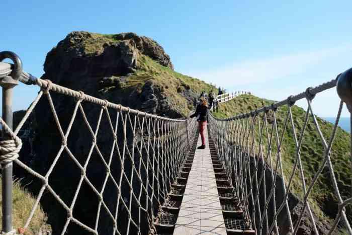 Pont de corde Irlande du Nord ©Etpourtantelletourne.fr