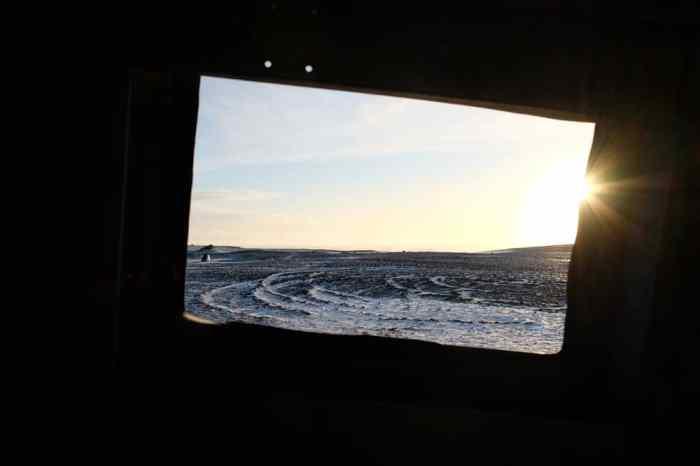 Avion DC3 Islande hiver ©Etpourtantelletourne.fr