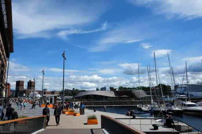 Le centre commercial Aker Brygge sur le port d'Oslo ©Etpourtantelletourne.fr