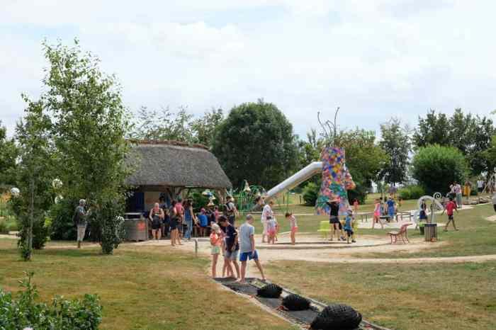 Jardins de Brocéliande jeux pour enfants ©Etpourtantelletourne.fr