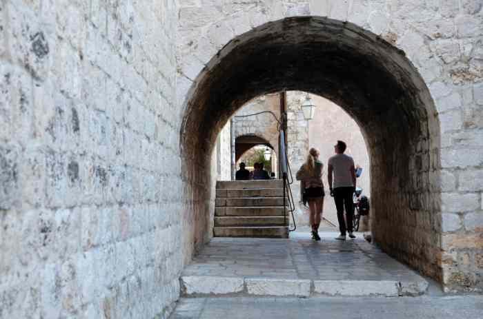 Itinéraire sur les lieux de tournage de Game of Thrones en Croatie - Dubrovnik - Musée ethnographique - Port Réal ©Etpourtantelletourne.fr