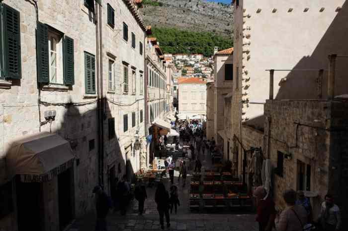 Itinéraire sur les lieux de tournage de Game of Thrones en Croatie - Dubrovnik - marche de la honte Cersei - Port Réal ©Etpourtantelletourne.fr