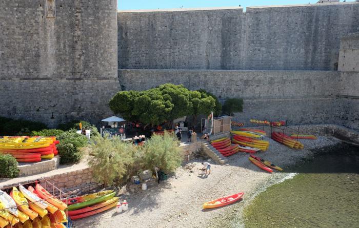 Itinéraire sur les lieux de tournage de Game of Thrones en Croatie - Dubrovnik - port - Port Réal ©Etpourtantelletourne.fr