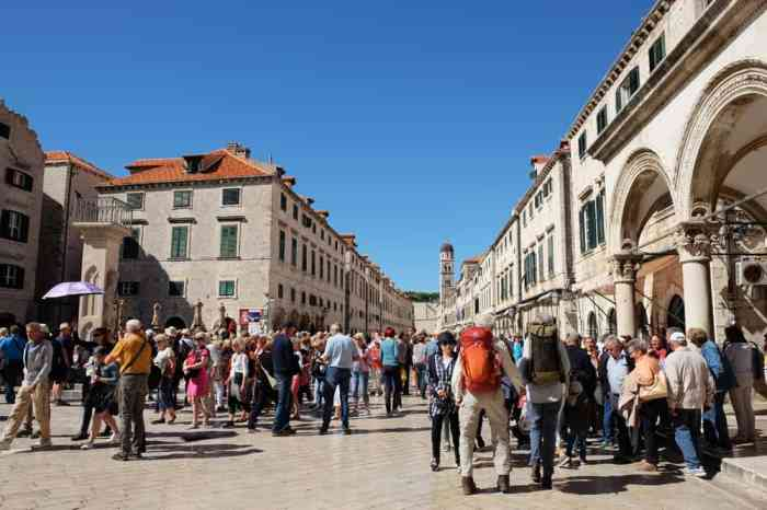 L'avenue principale de Dubrovnik le Stradun ©Etpourtantelletourne.fr