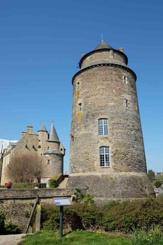 Visite du château de Châteaugiron  ©Etpourtantelletourne.fr