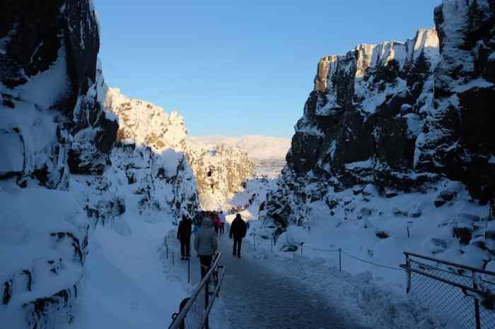 Itinéraire sur les lieux de tournage de Game of Thrones en Islande - canyon du parc national de Thingvellir - eyrié - chateaunoir ©Etpourtantelletourne.fr