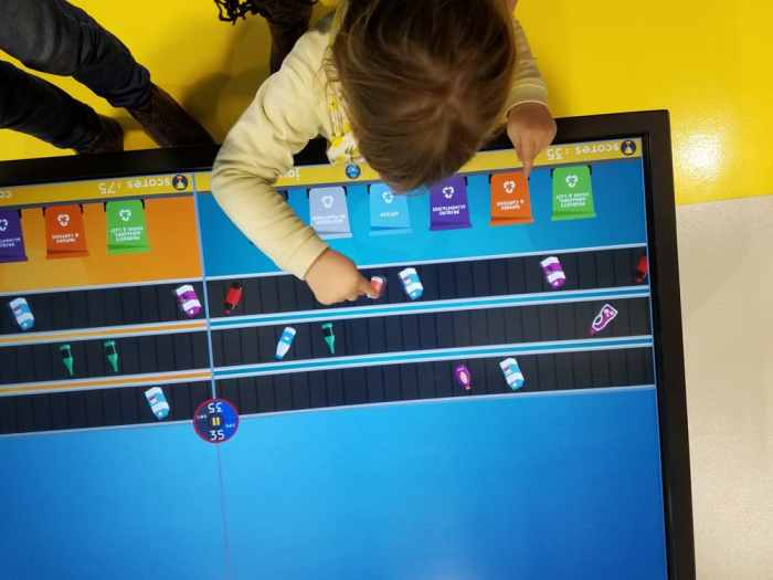 Visite du centre de tri de Rennes Métropole : les jeux pédagogiques