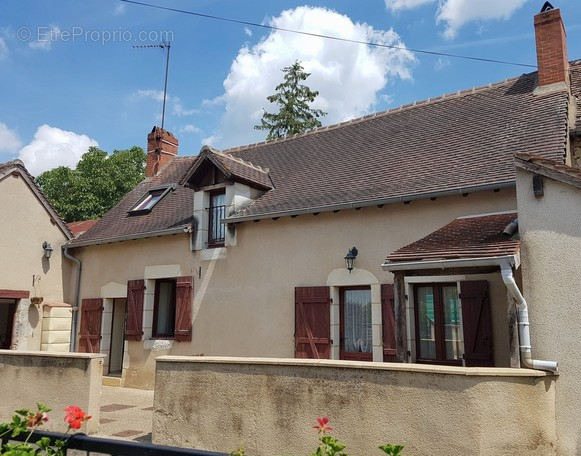 immobilier a angles sur l anglin 86260
