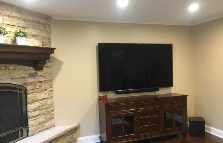 tv installation with wall mount-sound bar mounted by Etronics of Illinois Chicago