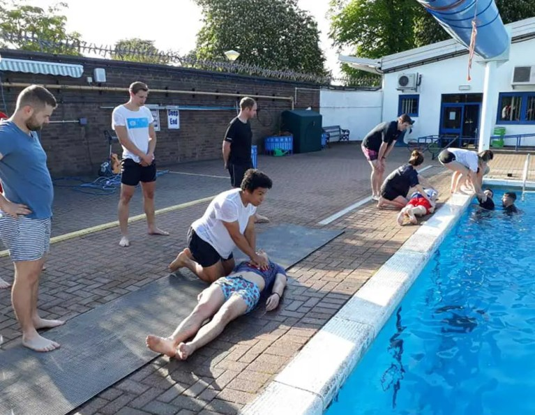 Free Poolside Safety Training Course