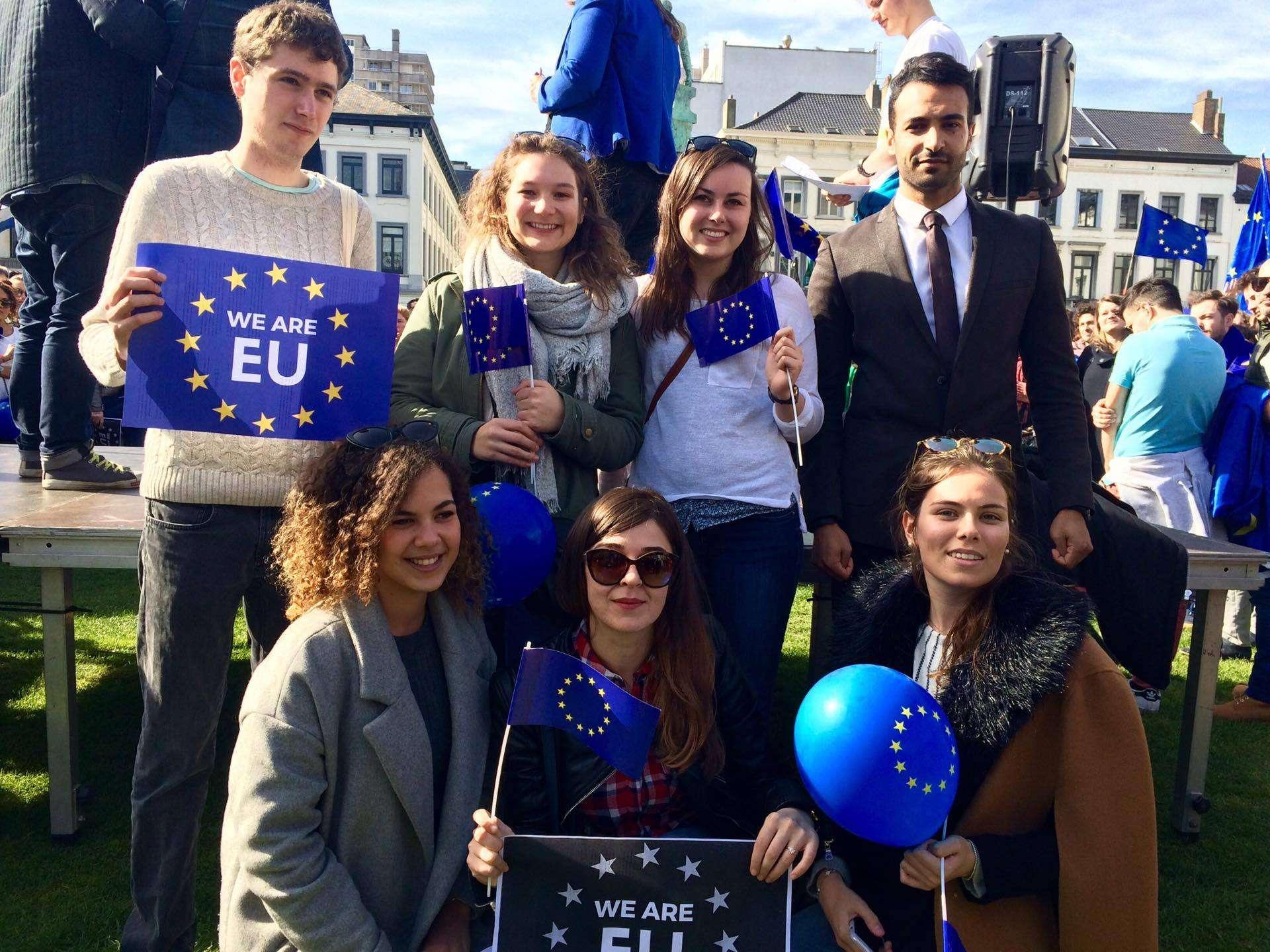 Prise de parole de Eu logos lors de la marche pour le 60ième anniversaire de la signature du Traité de Rome