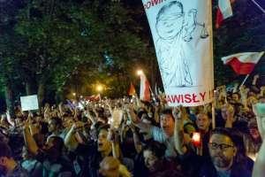 Pologne: le Conseil de l'Europe condamne vivement les projets de réforme judiciaire. Quid de la Commission?