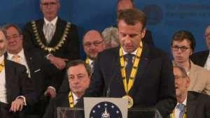 Il y a urgence! «N'attendons pas. C'est maintenant»« N'ayez pas peur». C'est ce qu'il faut retenir du discours d' Emmanuel Macron à Aix-la-Chapelle.