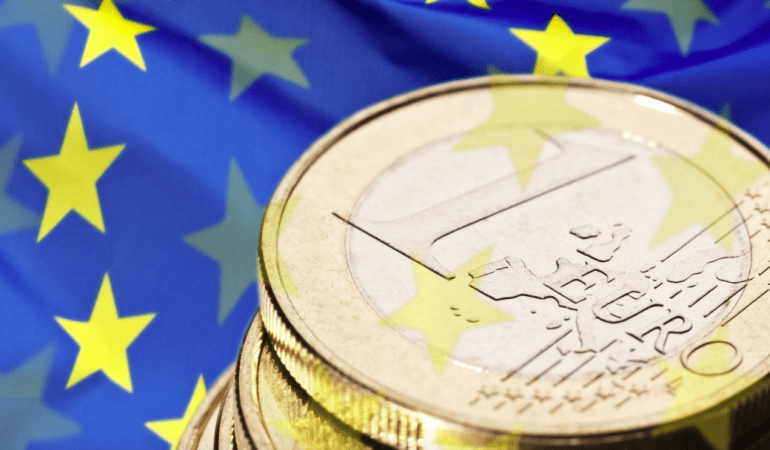 Linking EU funds to compliance with the Rule of Law: An analysis of the proposal