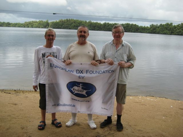 Paul F6EXV, Chris F4WBN and Jan DJ8NK showing the EUDXF flag