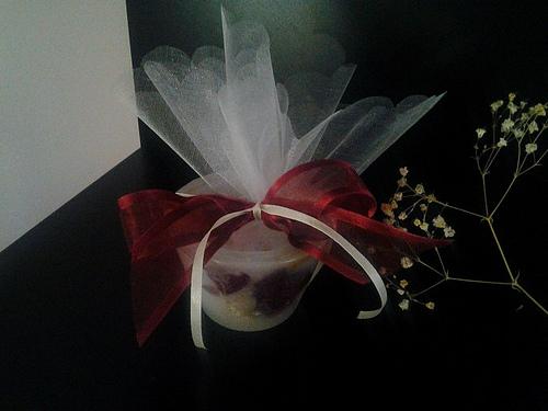 Μπομπονιέρα με Κερί με αποξηραμένα ανθόφυλλα