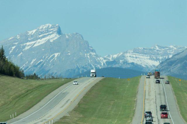 Estrada de Calgary para Banff