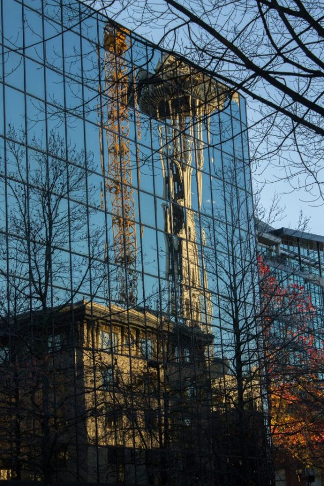 Space Needle Refletindo num outro prédio :)