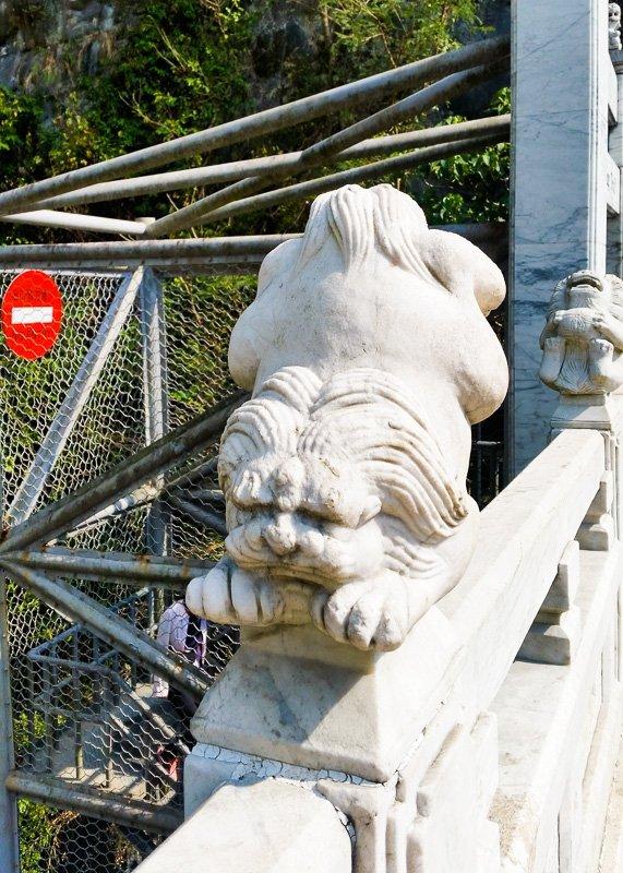 100 lions bridge, start of shakadang trail hualien taiwan
