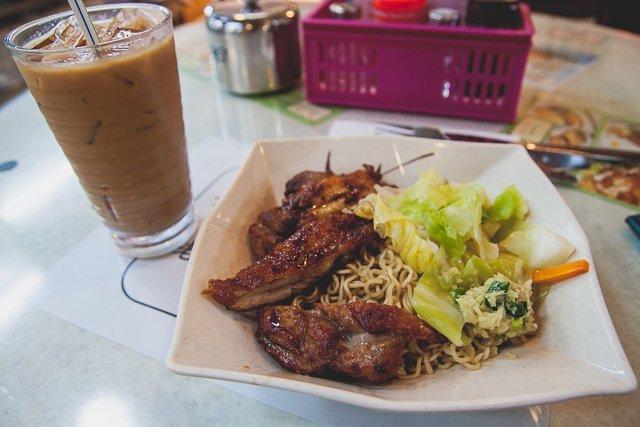 la fong yuen chungking mansion tsim sha tsui hong kong (1)