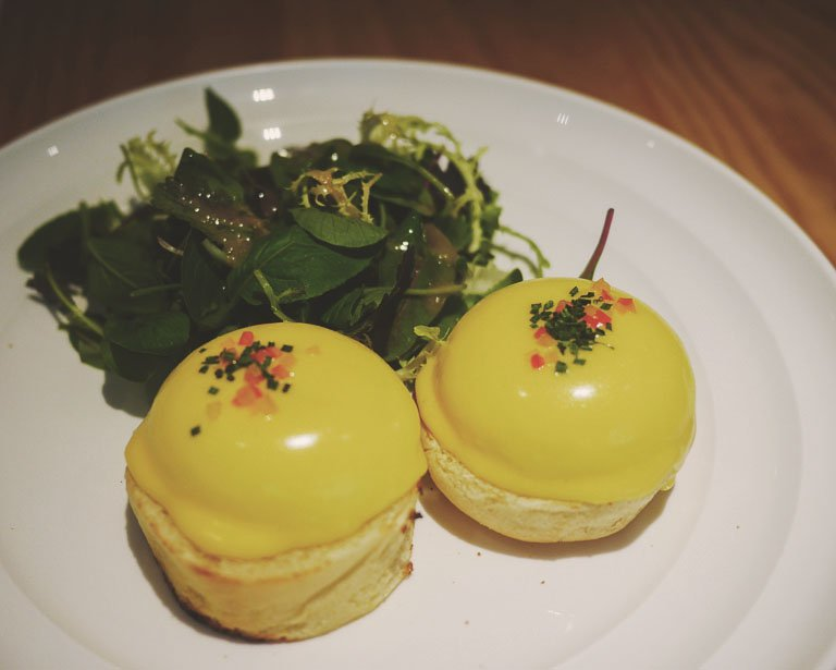 taipei vegetarian food - sarabeth eggs benedict