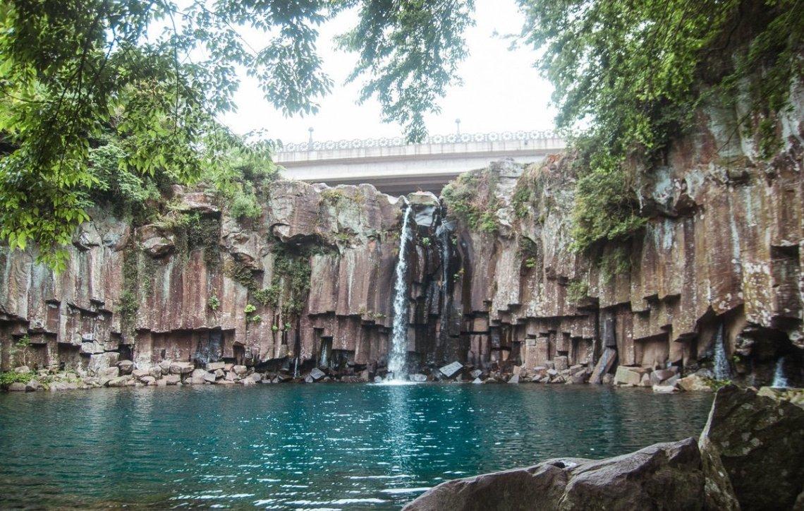 Cheonjeyeon falls, 3 day Jeju itinerary