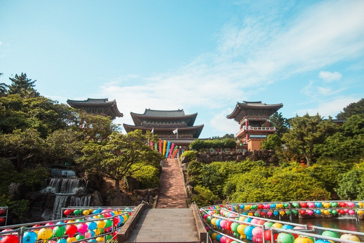 Yakcheonsa temple, 3 day Jeju itinerary