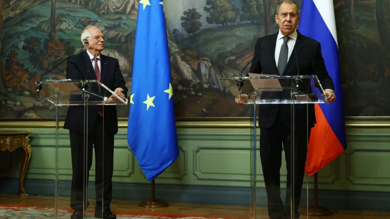 Russia expels three EU diplomats while Borrell visits