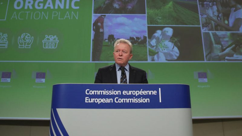 Organic food 'healthier' says agri Commissioner as EU launches new organic plan