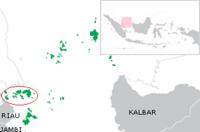 Red circle around the Riau archipelago, within Riau Islands Province (green)