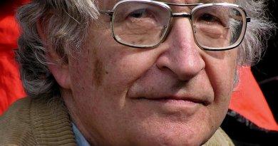 Noam Chomsky. Photo by Duncan Rawlinson, Wikipedia Commons.