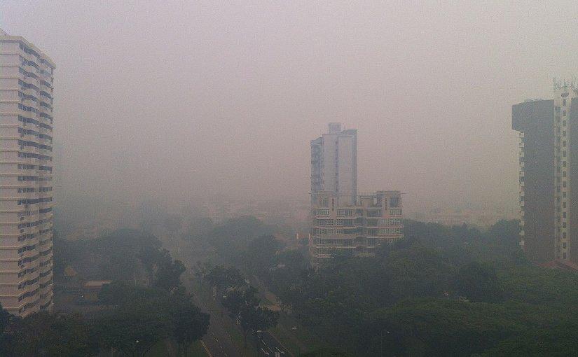 Haze in Singapore. Photo by Wolcott, Wikipedia Commons.