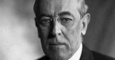 Woodrow Wilson. Portrait by Harris & Ewing, Wikipedia Commons.